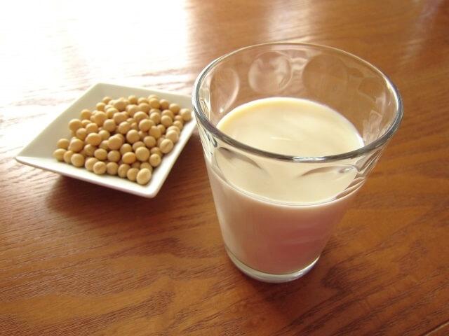 女性ホルモン豆乳飲むタイミング