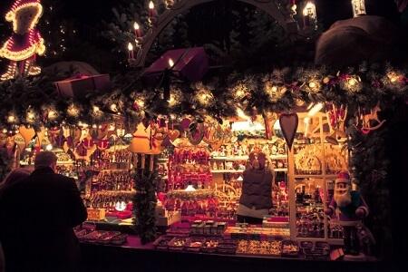 クリスマスツリー 飾り付け クリスマスマーケット