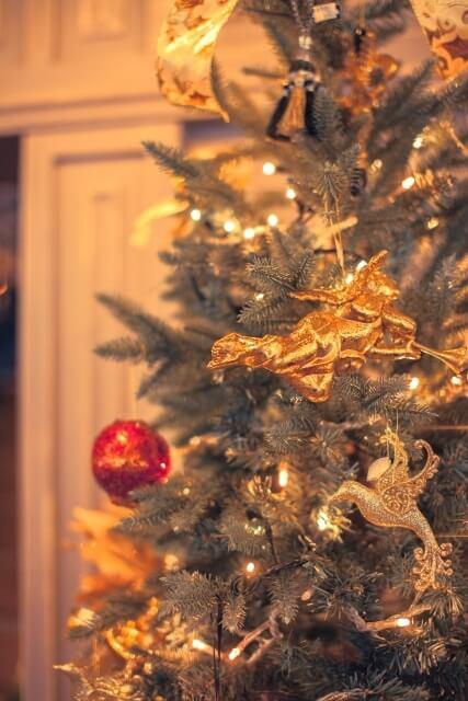 クリスマスツリー 飾り付け 時期いつまで