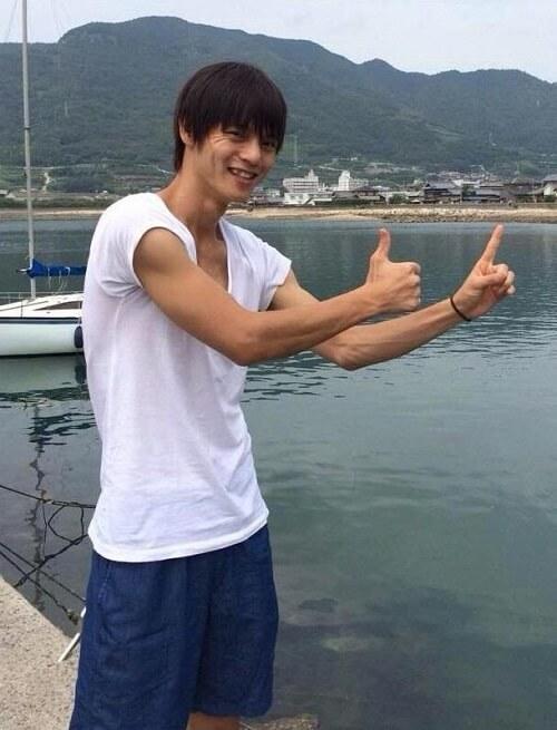 窪田正孝 腕の筋肉