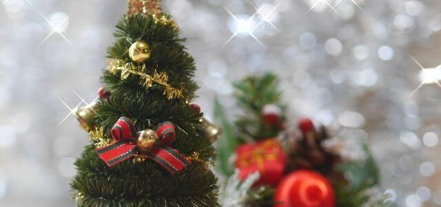 クリスマスツリー 飾り 意味