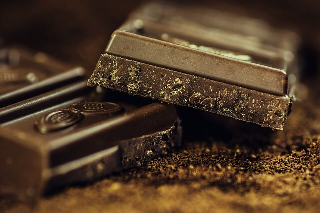 チョコレート カフェイン量