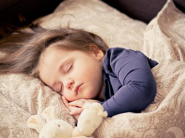 睡眠 質 上げる食べ物