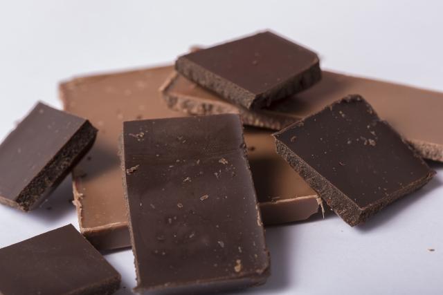 チョコレート 冷蔵庫 白くなる